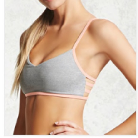 40d5da4824 NWT Heathered Athletic Sports Bra Strappy Back. NWT. Forever 21